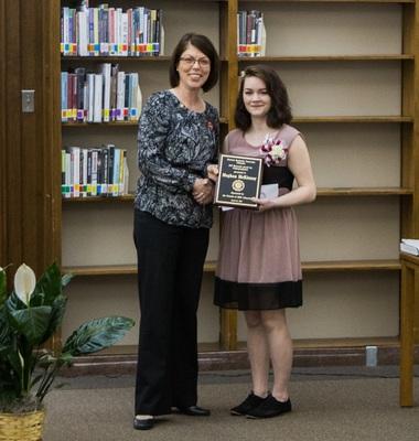 2017 EKU Libraries Research Award for Undergraduates 1st prize winner Meghan McKinney